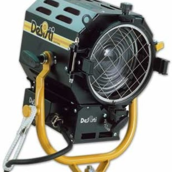 Rent Desisti 2K Fresnel Light