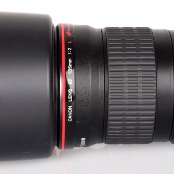 Rent Canon EF 135 L F2