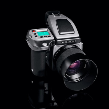 Rent Hasselblad H4X + 80mm 2.8 Lens + Phase One IQ250 50 MP Digital Back