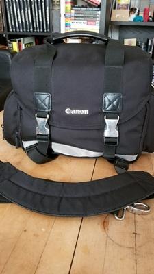 Canon gadget bag  shoulder