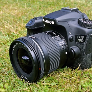 Rent Canon 70D with 10-18mm F/4.5-5.6 IS STM Lens