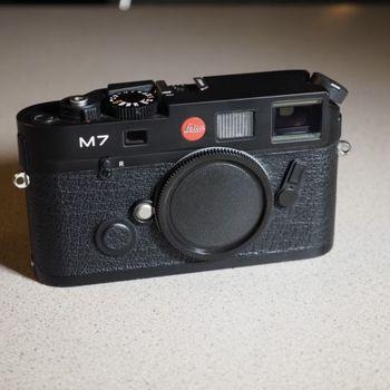 Rent Leica M7