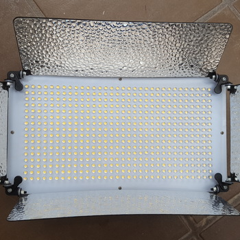 Rent 4-piece 500 LED  dimmable panel daylight kit