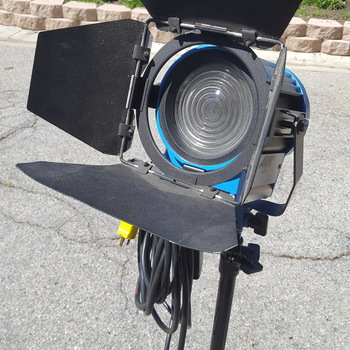 Rent Arrilight 650 Fresnel 4-lamp  Kit