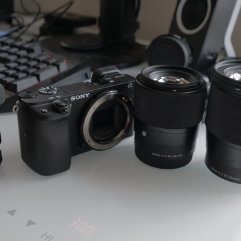 Rent Sony a6300 + Sigma Lenses KIT