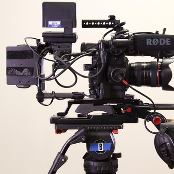 Rent C300 Full Shooter Package (EF)