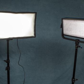 Rent Pro Series LED500 Bi-Color LED 2 Light Kit w/Batteries