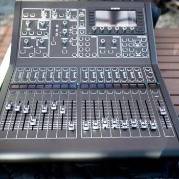 Rent Midas M32-R 40-I Digital Mixer Console