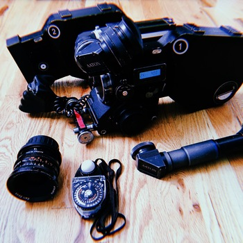 Rent Aaton Xtr Prod with Zeiss Super Speed
