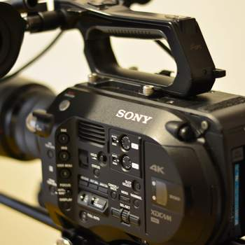Rent Sony PXW-FS7 w/ 18-105mm-f-4-G-OSS-Lens