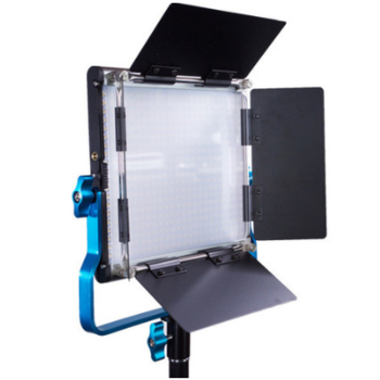 Rent 1x1 95 CRI Dracast LED500 S panel w/ V-mount plate & stand