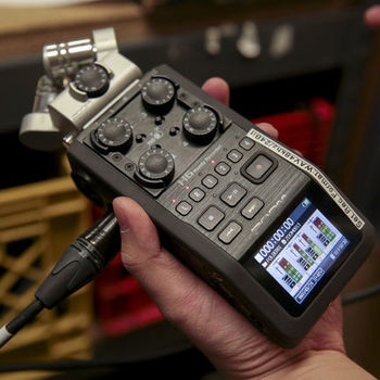 Rent Zoom H6 Audio Recorder