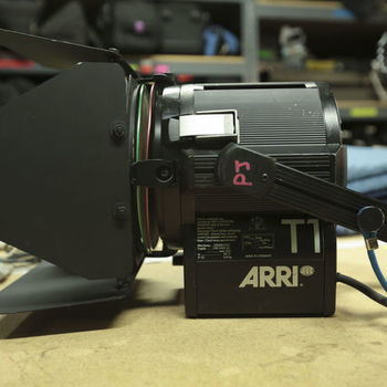 Rent Arri 1000w Fresnel Light Kit