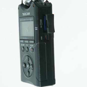 Rent Tascam DR-40 Linear PCM Recorder