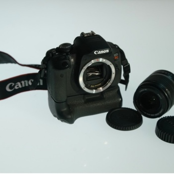Rent Canon EOS T4i Battery Grip, EF-S18-55mm 1:35-5.6 IS Lens