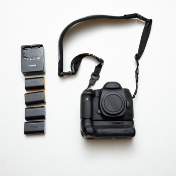Rent Canon 5D Mark III with Battery Grip