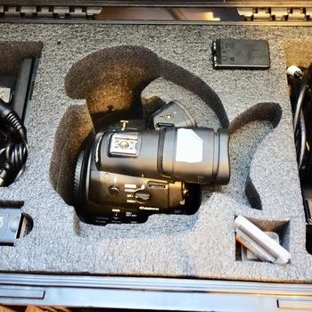 Rent INTERVIEW SETUP - C300, Canon Lenses, Shotgun Mic and (2) Diva Kino Flo Lights