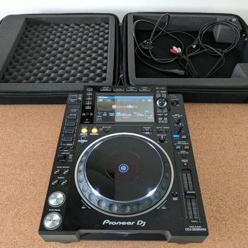 Rent Pioneer CDJ 2000
