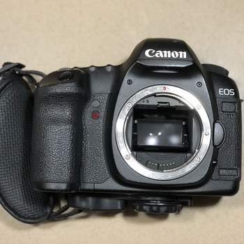 Rent Canon 5D Mark II Digital EOS HD VIDEO 21.1 MP SLR