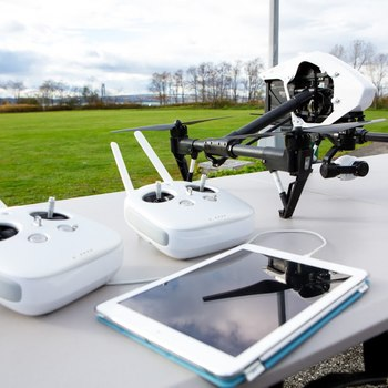 Rent DJI Inspire 1 v2.0 Quadcopter 2 controllers ND