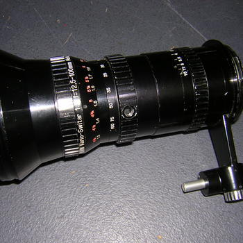 Rent Vario Switar 12.5-100mm T2 Multicoated Zoom lens in Bolex Bayo mount