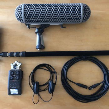 Rent Boom / sound package: Rode NTG4+ plus Zoom h6