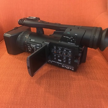 Rent TV Quality HD Camera!  Easy to use! Great first time or 2nd camera! 1080i - H264