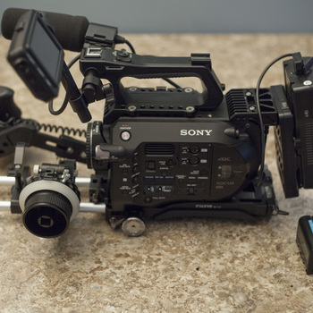 Rent Sony PXW-FS7 with Canon Metabones, Tilta Shoulder Rig, Follow Focus, Rod System and V Mount Battery
