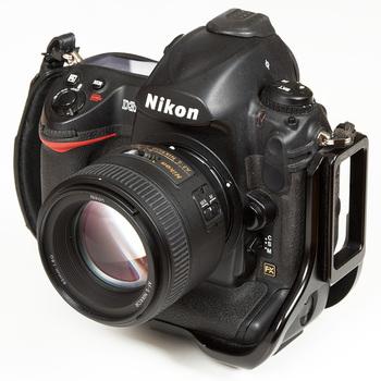 Rent 85mm f/1.8G Lens