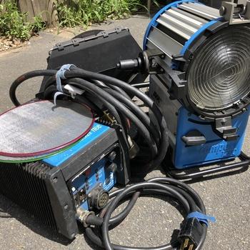 Rent Arri 1200 Watt Compact Fresnel HMI and Ballast