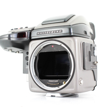 Rent Hasselblad H2 with Phase One P 45+ Digital back kit