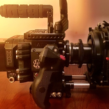 Rent Red DSMC2 Monstro 8K VistaVision & S35 6K camera kit + Camera Assistant