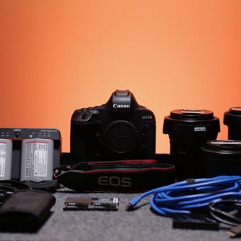 Rent Canon 1D X Mark II Camera Kit with Media
