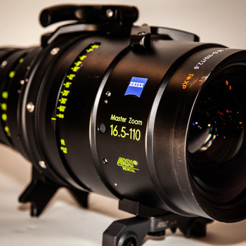 Rent Arri/Zeiss Master Zoom Lens 16.5mm - 110mm (T2.6)