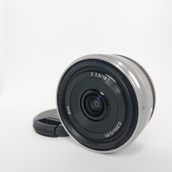 Rent Sony 16mm f/2.8 E-Mount Wide Angle Lens