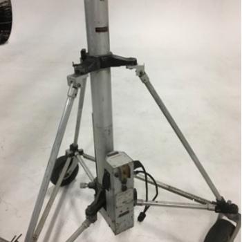 Rent Electric Super Cine-O-Vator Light Stand