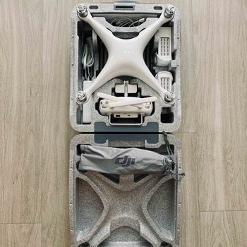 Rent DJI Phantom 4 quadcopter