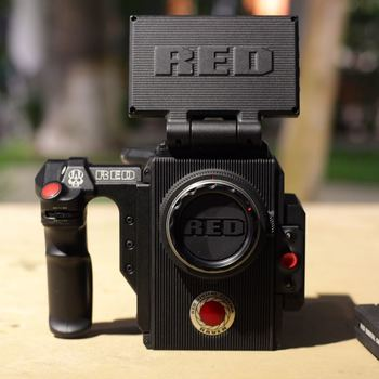 "Rent Red Raven 4.5K, 2 Batts, 4.7"" LCD Touch, 480GB Mag, Side Handle"
