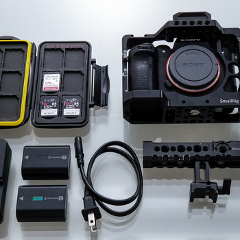 Rent A7R III / E-EF Metabone / Small Rig Cage  / 2x Batteries / 3x SD Cards