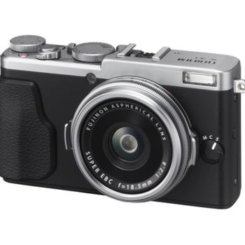 Rent Fujifilm X70