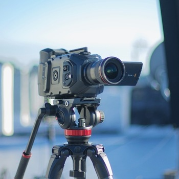 Rent cinema camera with 4.6k - complete go to kit