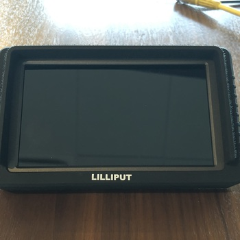 "Rent Lilliput 5.5"" camera top monitor"