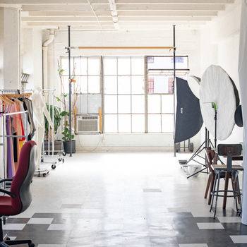Rent 800 sq/ft DTLA photo/video studio - fully equiped / Ideal for fashion photoshoots