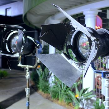 Rent (Single) HMI - Cinepar 1200 W (1.2K) Stand, Ballast, Lenses