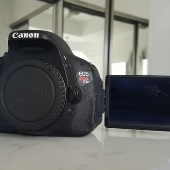 Rent Canon EOS Rebel T3i Digital SLR Camera