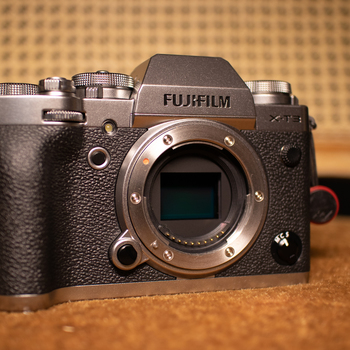 Rent FUJI XT-3 Body Only with 2x batteries and charger+