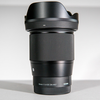 Rent SIGMA 16mm f1.4 for Sony e-Mount