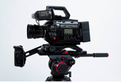 Ursa mini pro 4.6k body   shoulder rig