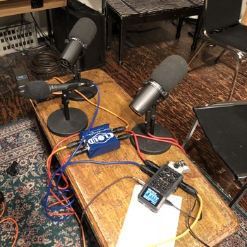 Rent Zoom H6 Podcast/Interview Kit with Cloudlifter CL-2, 3 GLS ES58 Mics w/ Stands & XLR Cables