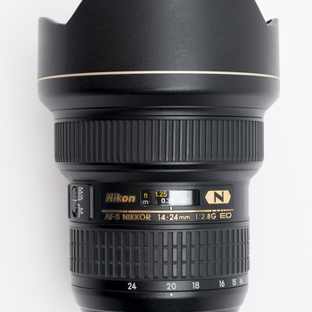 Rent Nikon Super Wide 14-24mm Zoom 2,8